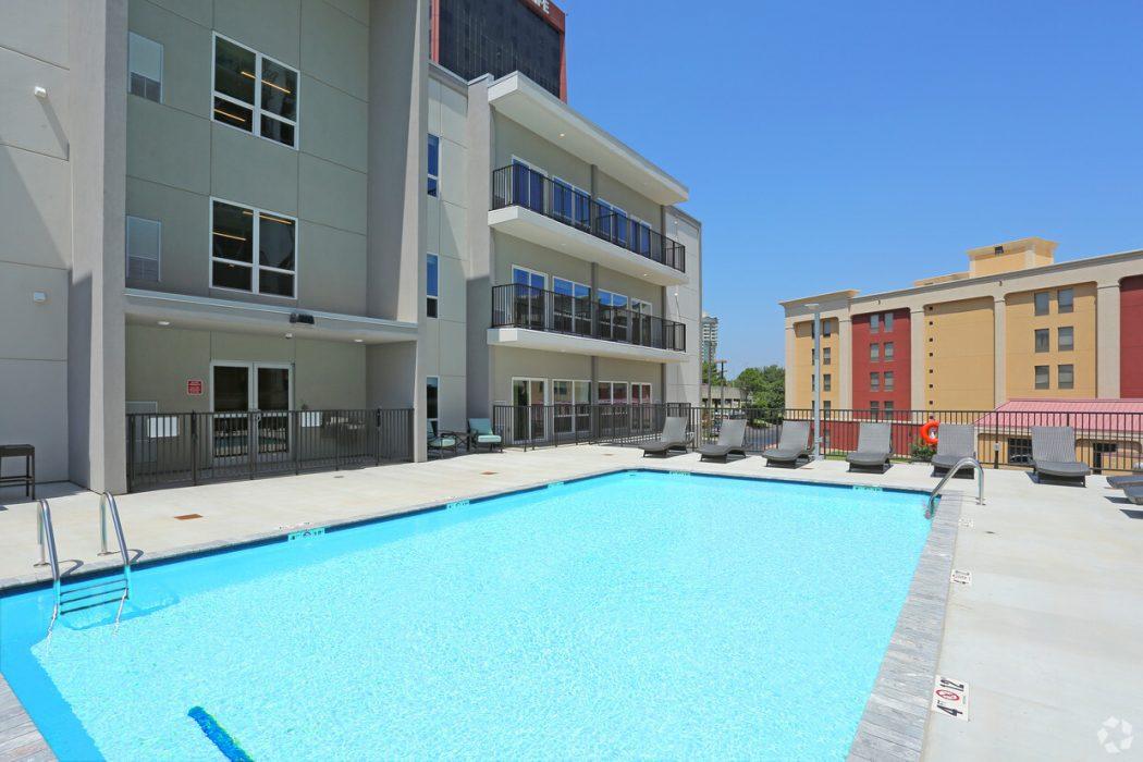 Tiffany Retro Apartments pool